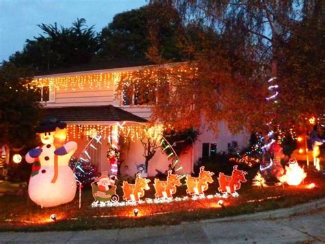 where to find holiday light displays in hayward san