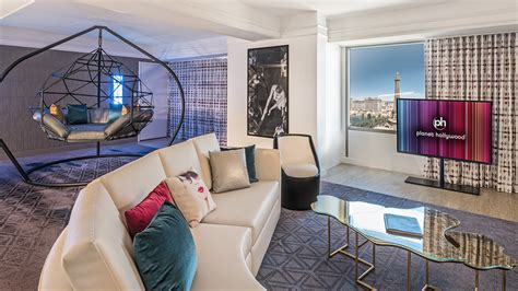 weekly rooms las vegas 2017 s best bets in las vegas hotels shows and more travel weekly