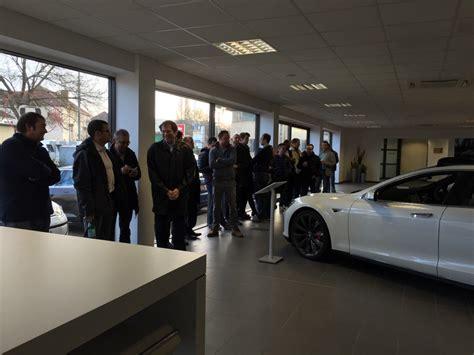 tesla outside tesla model 3 orders start as buyers wait in line outside