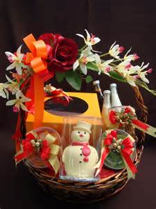 new years basket candle gourmet new year gift baskets 2010