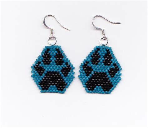 beaded wolf earring pattern american seed bead patterns beaded wolf paw