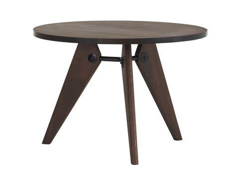 tavolo vitra tavolo rotondo in legno massello gu 201 ridon by vitra design