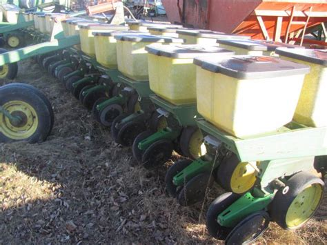 20 Inch Corn Planter For Sale by Jd Corn Planter Thunder Auctions 36 K Bid