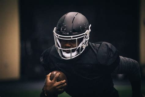 how seattle startup vicis created the zero1 the helmet nfl and ncaa teams will equip players with vicis high tech