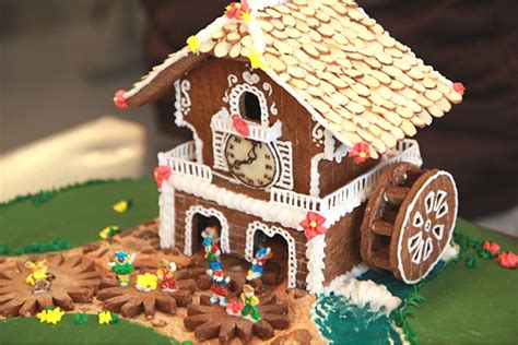 easy gingerbread house designs 38 simple inspiring gingerbread house ideas snappy pixels