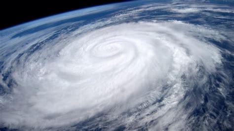 imagenes reales del huracan patricia en un minuto el hurac 225 n marie desde el espacio youtube