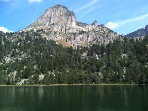 aig estortes estany de sant maurici national park pyrenees spain 1 25 000 trekking map alpina books aiguestortes national park picture of parque nacional de
