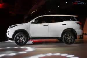 fortuner car new model price new toyota fortuner india price specs pics mileage