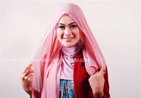 tutorial jilbab syari simpel tutorial cara memakai jilbab segi empat polos cantik dan
