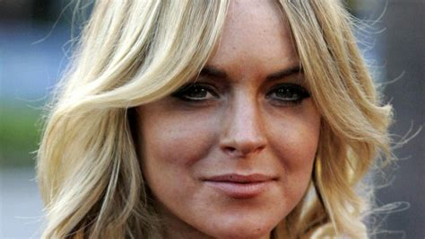 Lindsay Lohan Is Religious And by Religion Lindsay Lohan Is Thinking Of Converting For Sam