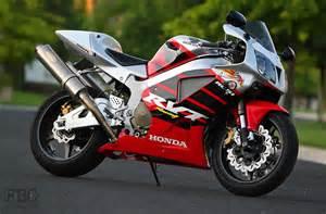Honda Rc 51 Honda Honda Rc51 Rtv1000r Moto Zombdrive