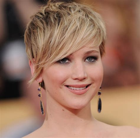 short hairstyles for women with big nose bangs big noses hairstylegalleries com