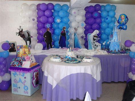 decorar mesa con telas decoraci 243 n globos telas mesa fantasia 15 a 241 os bodas