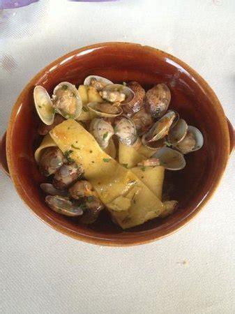 rocca delle caminate ristoranti maltagliati vongole e albicocche foto di sale grosso