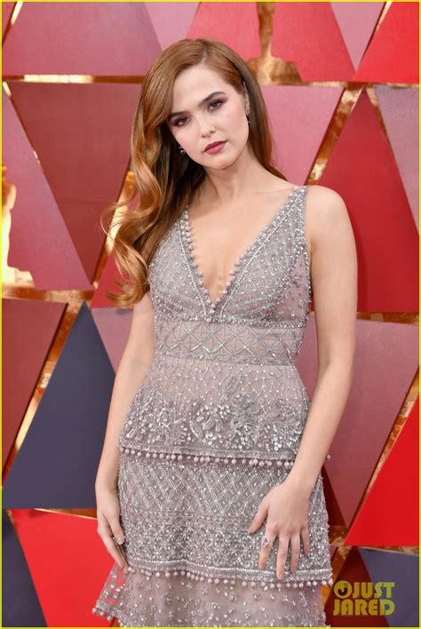 Friendly Dresses 2018 - zoey deutch wears an eco friendly dress at oscars 2018