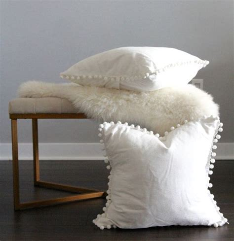 white bedding with accent pillows best 25 white decorative pillows ideas on pinterest