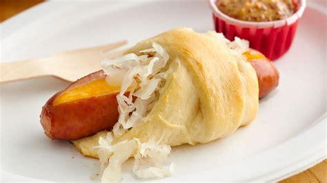 croissant dogs cheesy brat crescent dogs recipe from pillsbury