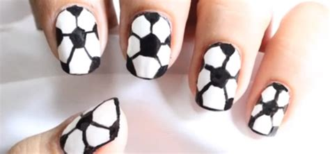 how to draw football nail art in 6 easy steps 171 nails