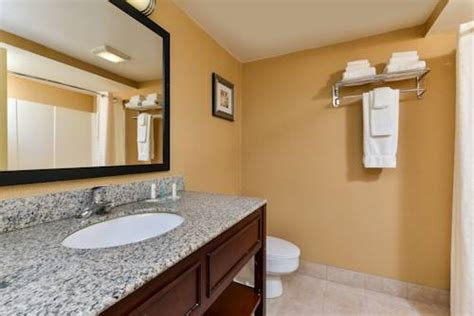 comfort inn eatontown nj reviews of cities restaurants attractions travel and