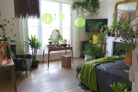 bedroom with plants apartment bedroom plants in on pinterest apartments small