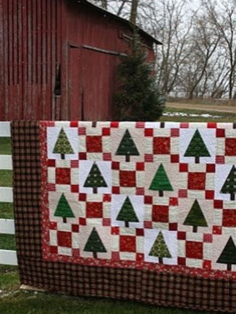 images of christmas quilts christmas tree quilt quilt christmas pinterest