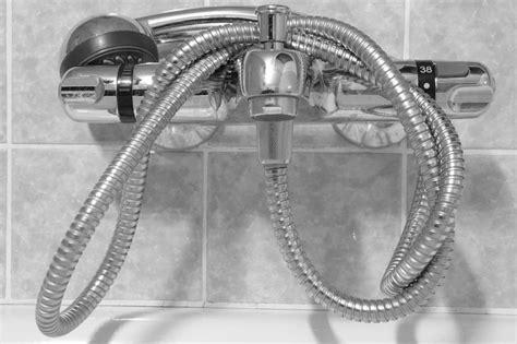 smontare miscelatore doccia come smontare il miscelatore doccia