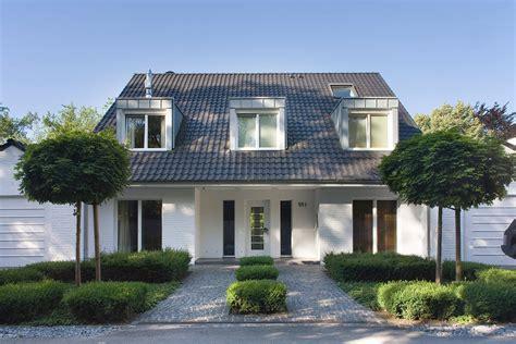 Vorgarten Modern by Gartenbilder Gartenlust Gmbh