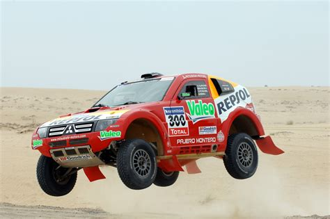 mitsubishi dakar paris dakar on pinterest peugeot trucks and red bull