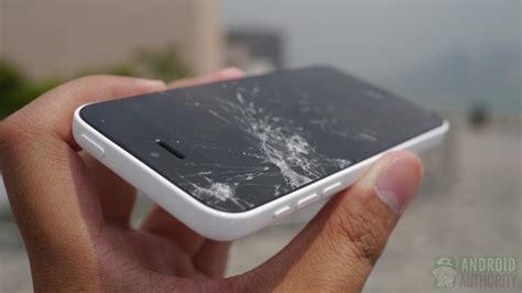 iphone fan breaks phone image gallery iphone 5c cracked