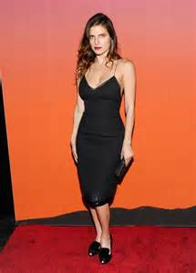 Hope solo lake bell graphic photos of soccer player and actress