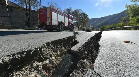 earthquake move italian earthquakes move ground by 70cm scientists rt news