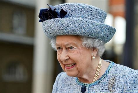 queen authorises british prime minister to begin brexit queen elizabeth officially approves brexit gives theresa