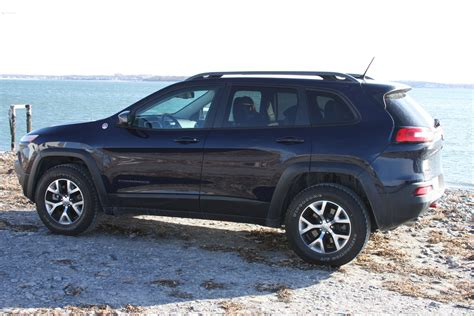 2014 jeep cherokee tires bangshift com 2014 jeep cherokee trailhawk