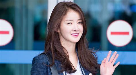 berita artis korea bulan ini berita artis korea bulan ini kabar artis korea hari ini