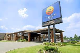 comfort inn rewards canada book comfort inn windsor windsor canada hotels com