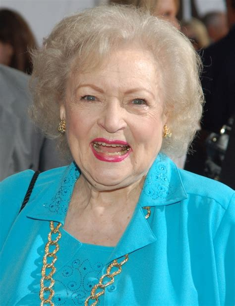 betty white pussy quote betty white death hoax fans misread article about actress