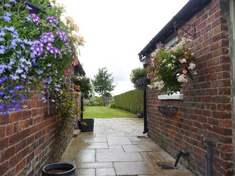 smithy cottages morley green road wilmslow  bed