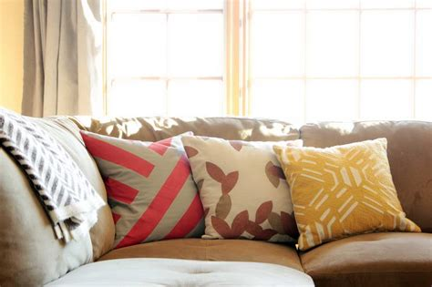 Pictures Of Couches With Throw Pillows by Pillow For Couches Homesfeed
