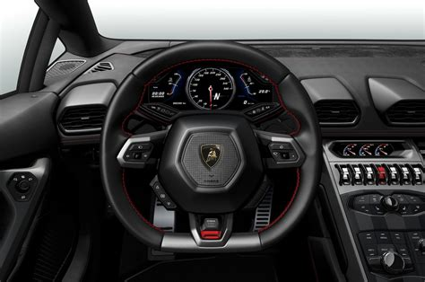 lamborghini huracan inside the lamborghini huracan 18 things you didn t motor