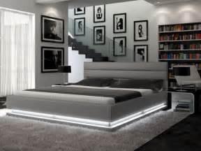 lit nubis 160x200cm simili pu argent avec leds