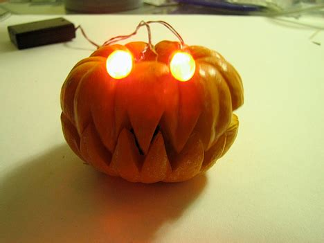 Led Sharp 45in Open Guys trick or tronic 3 awesome diy robotic o lanterns