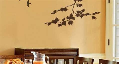 stencil per muri interni decorare le pareti tecnica stencil decoupage