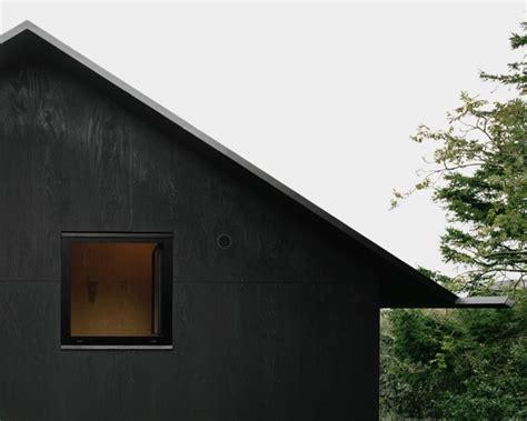 Modern Cottage Design schlichte schwarzweiss architektur aus schweden sweet home