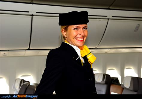 lufthansa cabin crew lufthansa cabin crew d abyc aircraft pictures photos
