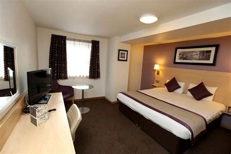 rooms to go specials bedroom hotel in eastbourne friendly shore view