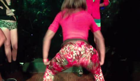 13 old girls twerking 12 old girl twerking guy bing images