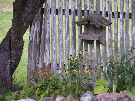 Wood Garden Decor 17 Best Images About Country Rock Gardens Beds On Pinterest Gardens Fences And Backyards