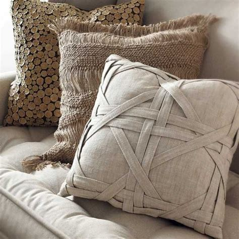 bedding decorative pillows 25 best ideas about homemade pillows on pinterest homemade pillow cases pillow beds and