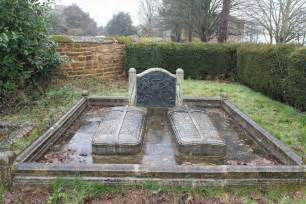 where is diana buried princess diana grave empty royal buried at family crypt st marys brington england
