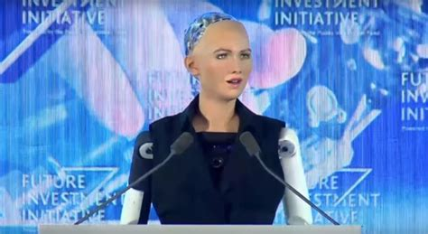 elon musk on sophia elon musk gets called out by ai robot sophia during